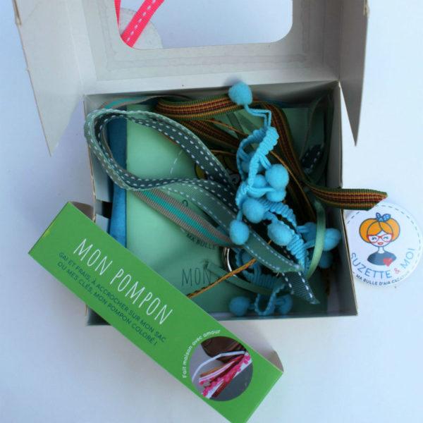 cadeau pompon diy bleu vert