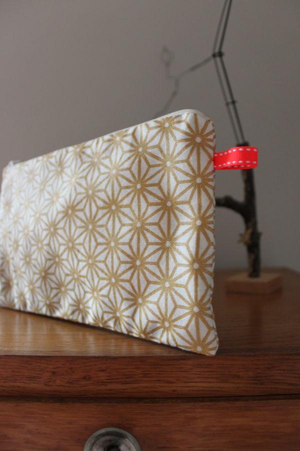 Sous-les-sunlights - pochette-zippée - Suzette-et-moi- Kit-de-couture- débutant