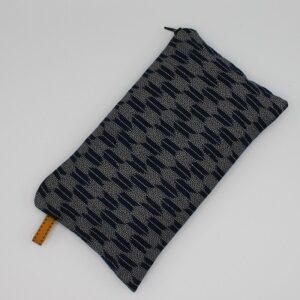Kit couture – Petits points en file indienne – Pochette zippée